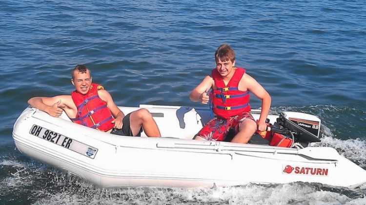 Best 7 Saturn Inflatable Boats Review in 2020
